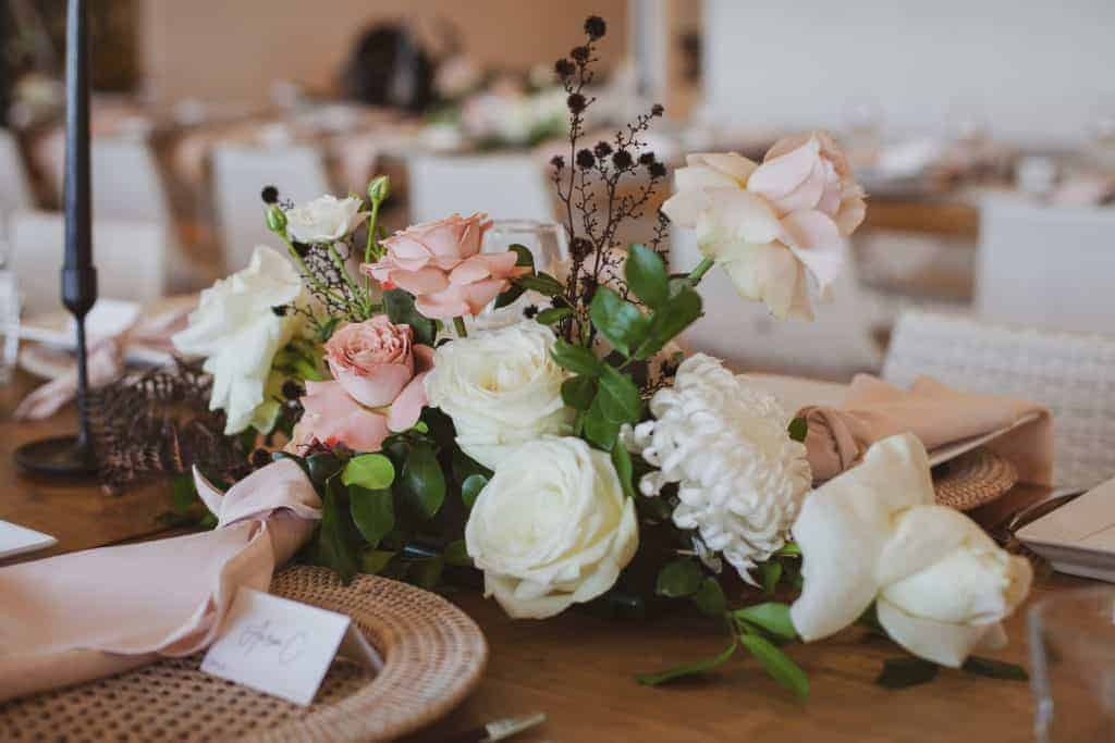 Katie Walcott ArticFox FloralStylingVintage4of9